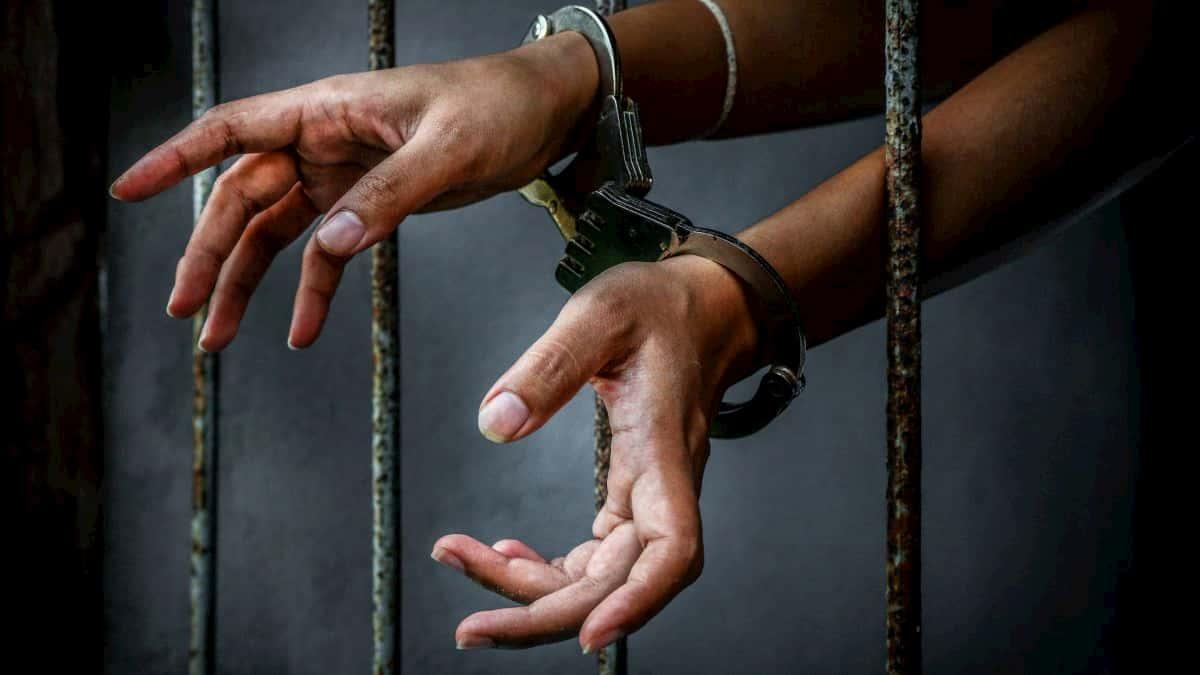 Anti-shackling bill