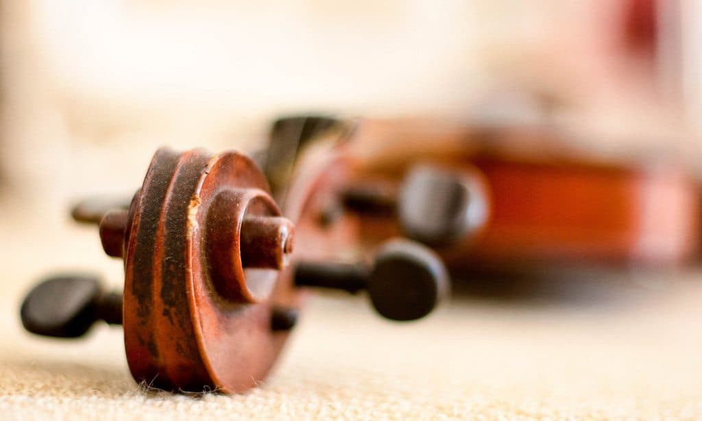 Top 9 Kids Violin Toys for Young Musicians 1 - Florida Independent