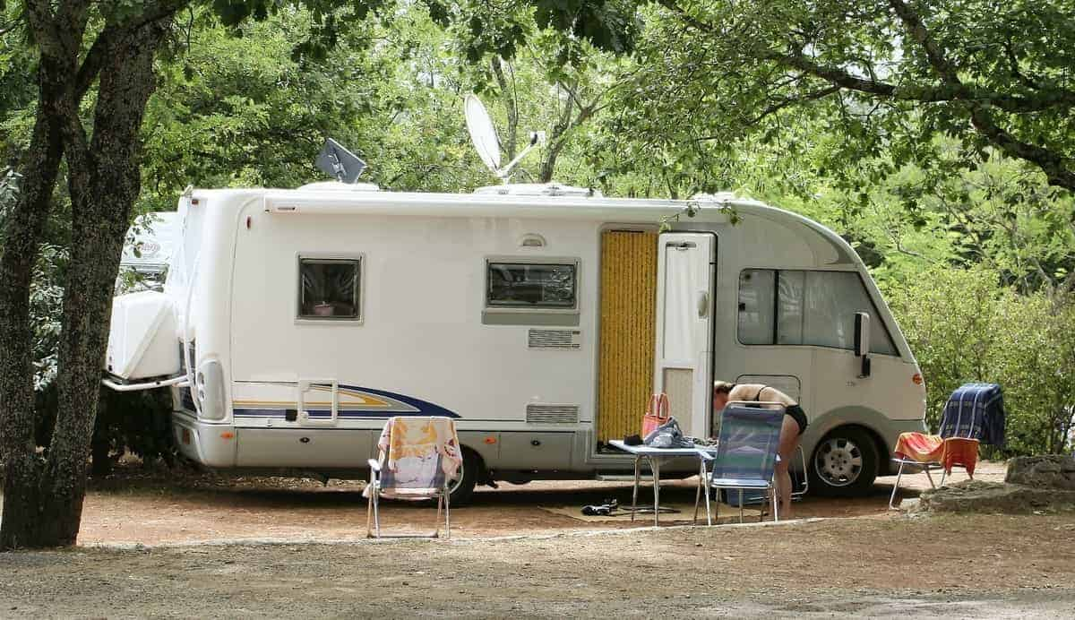 5 Benefits of Living in a Camper