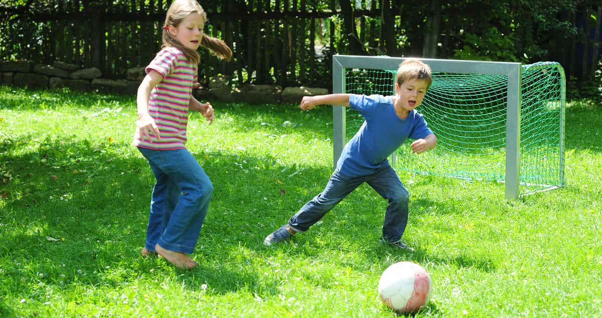 Old-School Yard Games to Get the Kids Out of The House This Summer