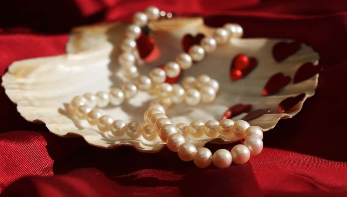 Discover the Luring Beauty of Pearl Necklaces