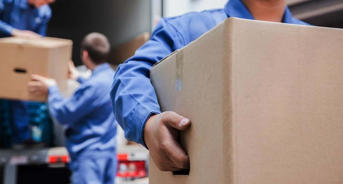 Top 7 Reasons to Hire Professional Movers