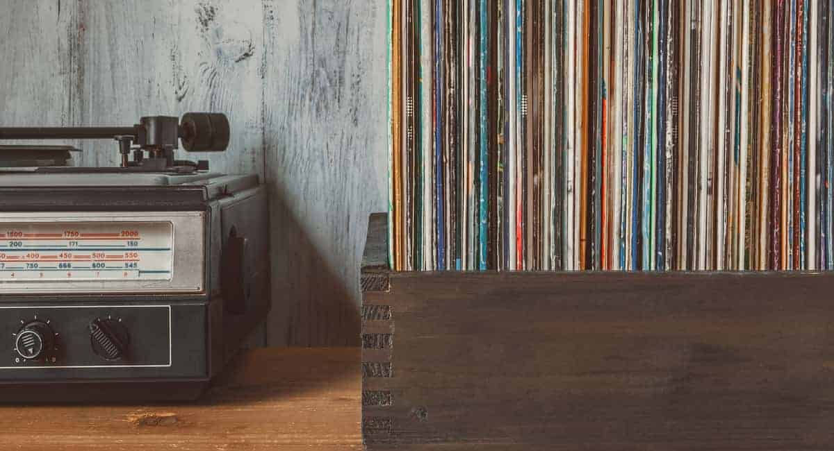 Turn up Those Tunes! 5 of the Best Turntables out on the Market Now