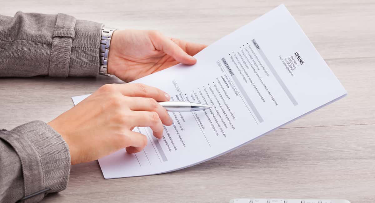 Learn How to Put Together a Resume and Get the Job You Deserve