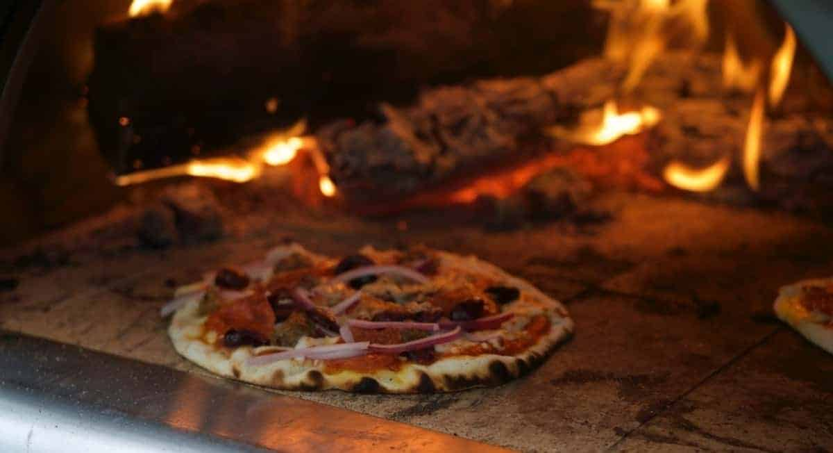 Propane Pizza Oven vs Wood-Fired: Which Is the Better Option?