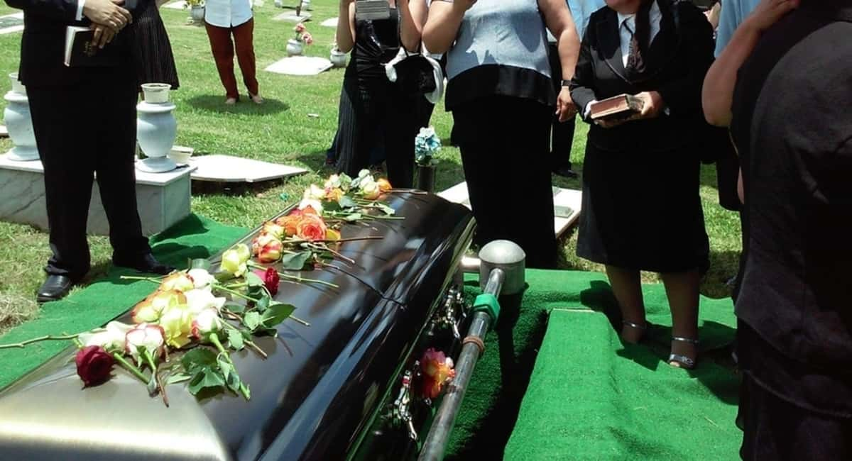 How to Plan a Funeral: A Heartfelt Guide for Loved Ones