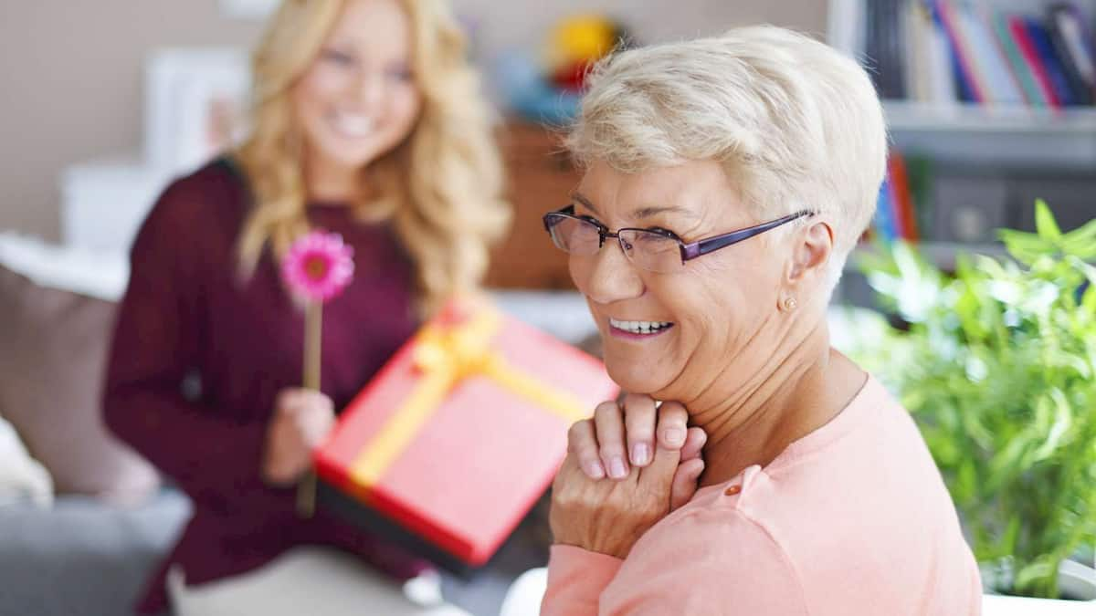 Luxury Gift Ideas for an Elderly Parent