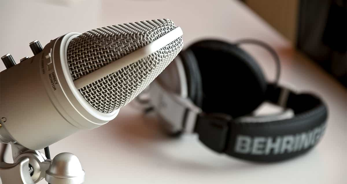 Self Help Podcasts That Will Inspire You to Live Your Best Life