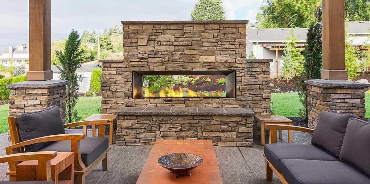 Benefits to Having an Outdoor Fireplace