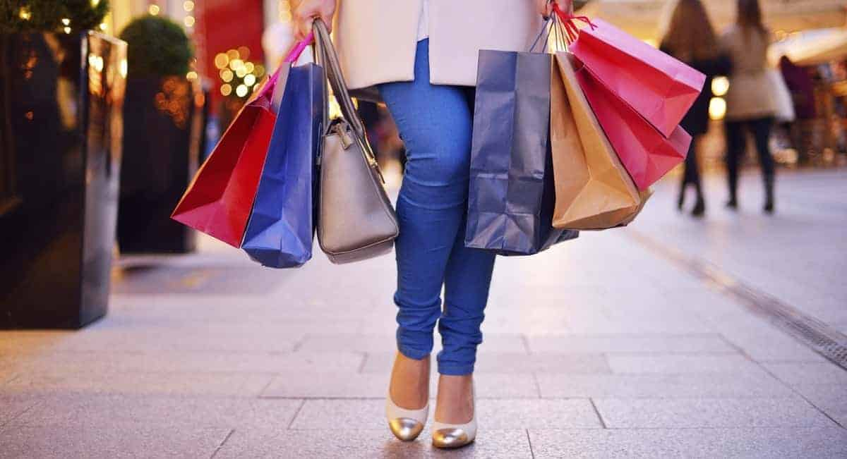 5 Tips For Surviving The Chaos Of Black Friday Shopping