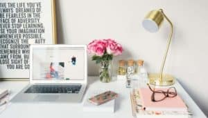 Fashionably Trending: How to Start a Fashion Blog People Will Actually Read