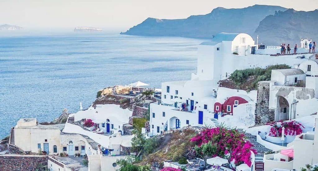 6 Incredible Things To Do In Santorini
