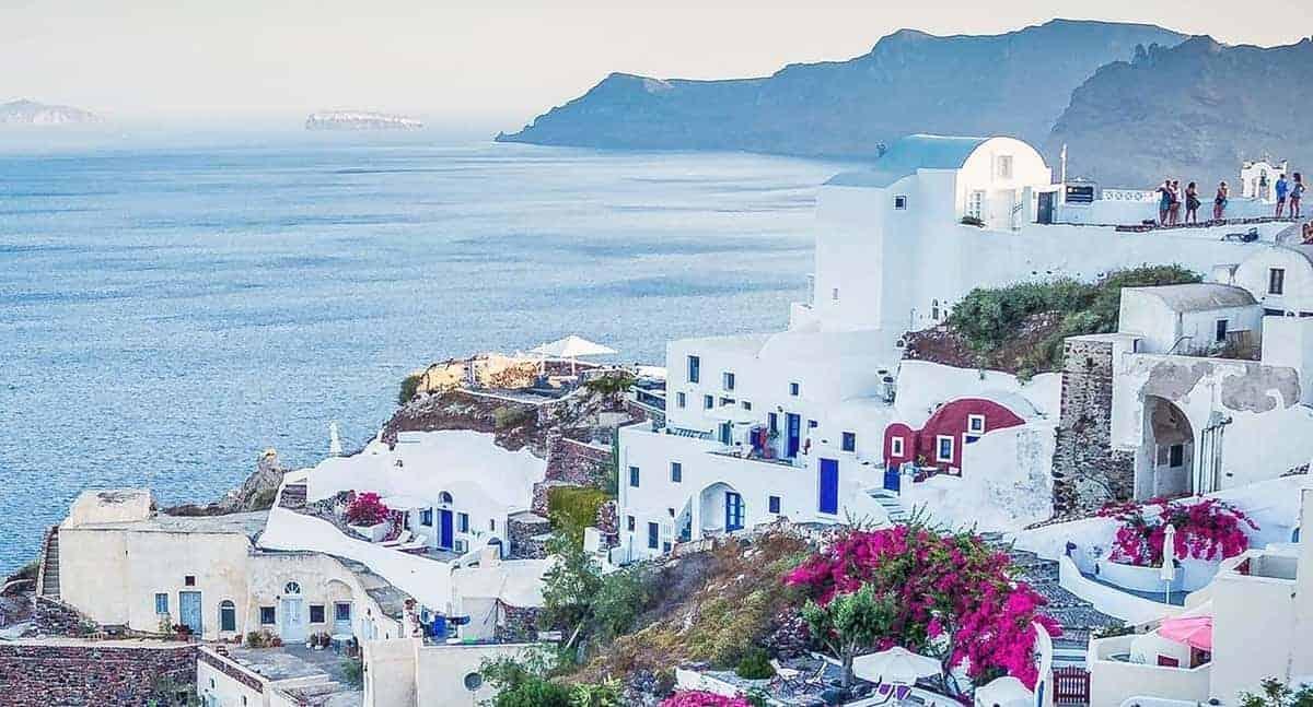 6 Incredible Things To Do In Santorini