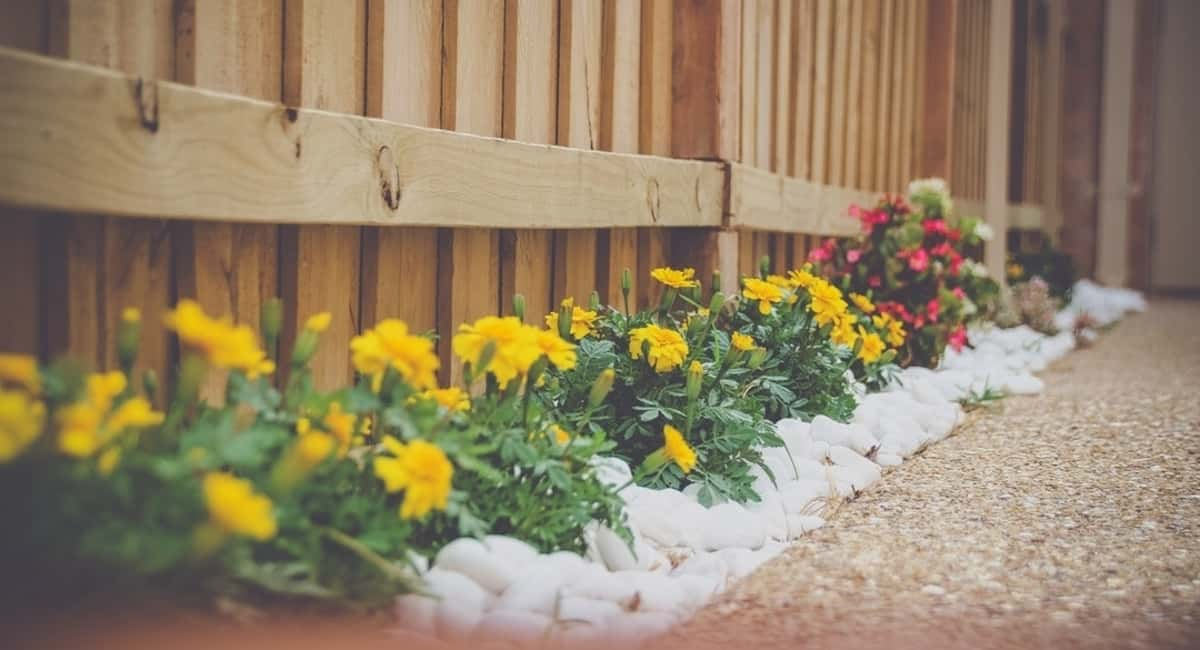 13 DIY Landscaping Ideas That'll Wow Your Neighbors