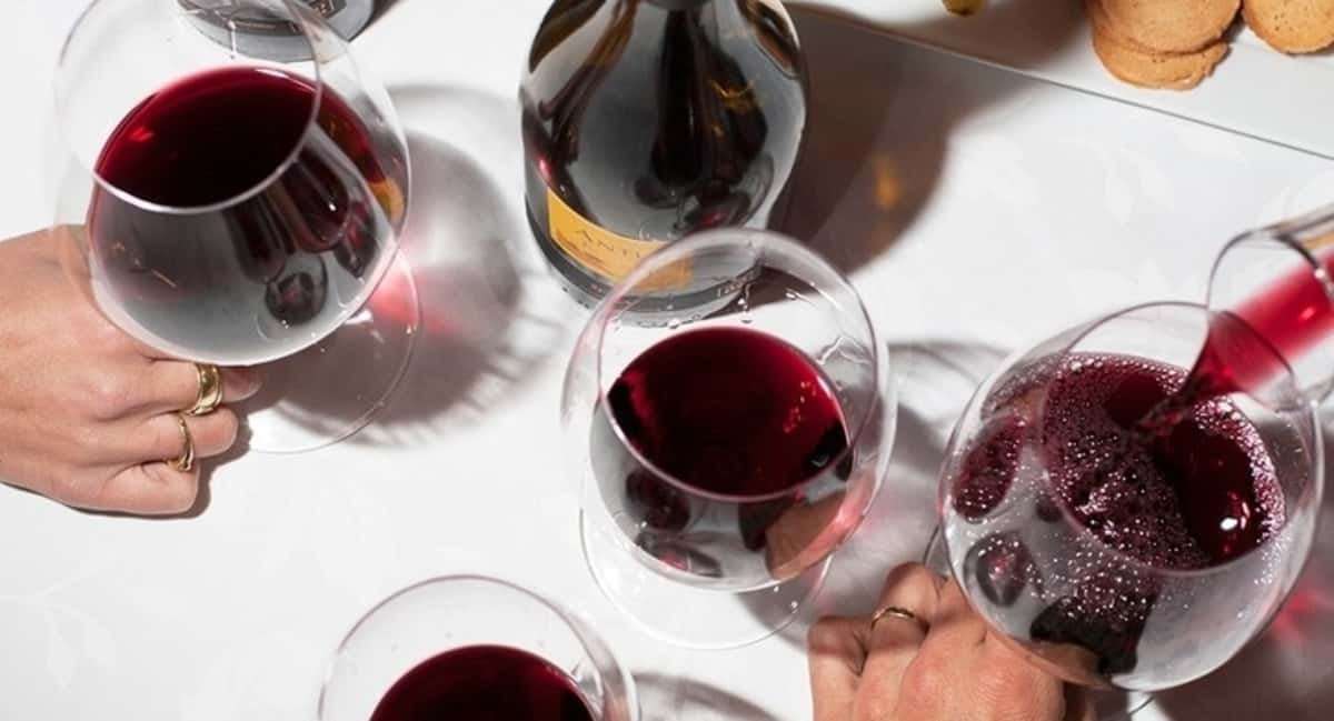 An Expert Advice on Wine Gifting for Holiday Season