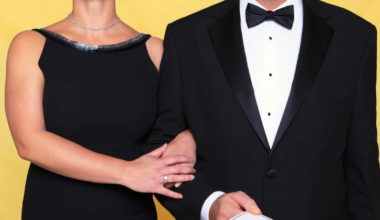 Black Tie Event Etiquette: What Do I Do with My Hands?!