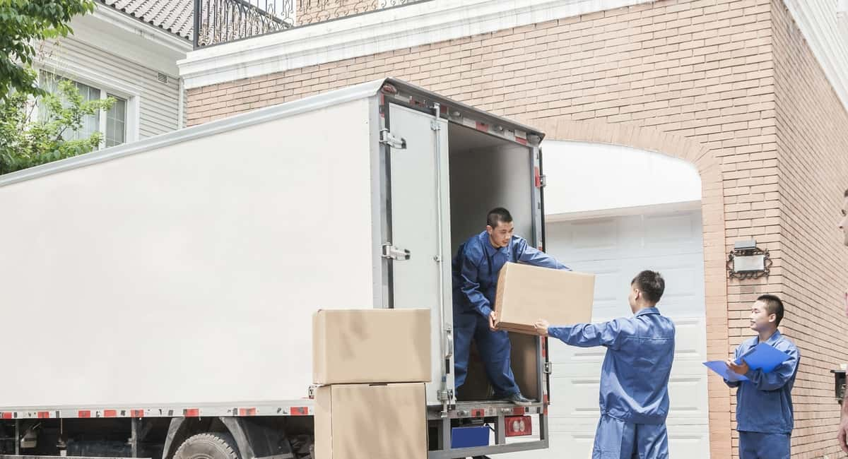 Using a Relocation Company Can Save You Money For Moving
