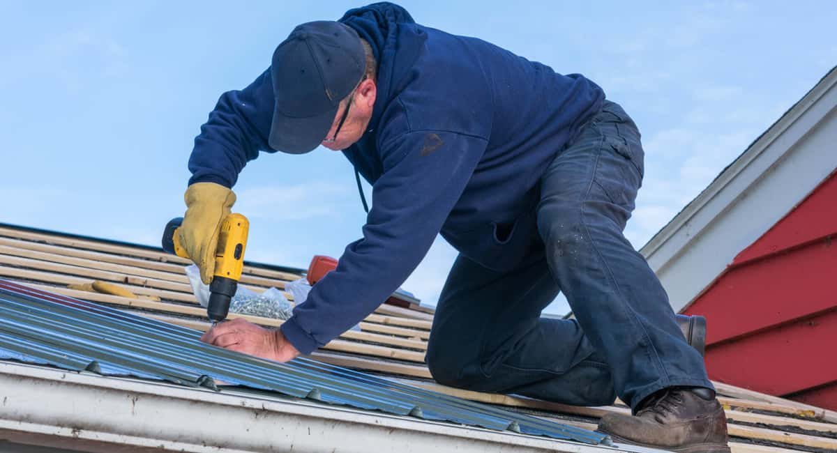 Why Joining Hands with a Professional Roofer Makes Sense?