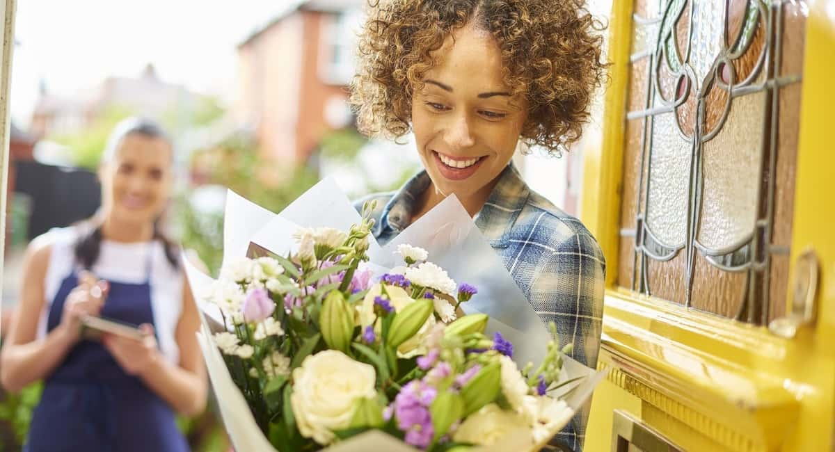 New Floral Delivery Options can Make Sending Flowers Very Convenient