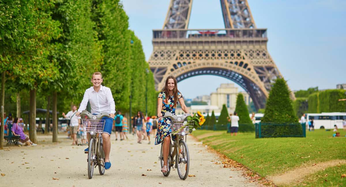 paris tourist