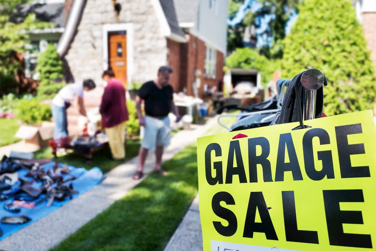 estate sale vs garage sale
