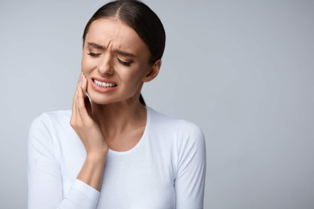what causes tooth pain