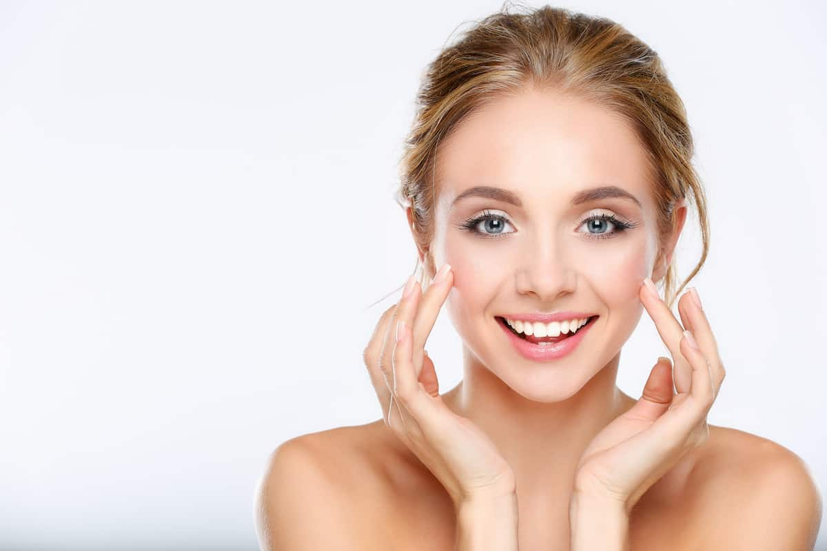 what does face serum do