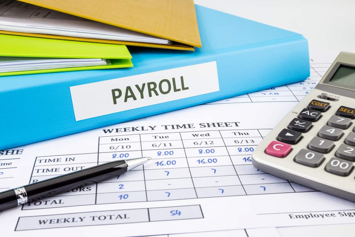 how to do payroll for a employee